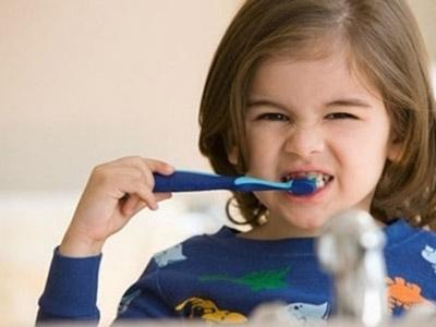 孩子牙齿发黄的原因是什么?宝宝牙齿黄怎么办?