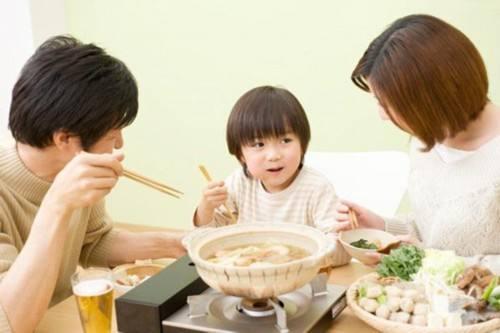 5-6岁的孩子可以吃火锅吗?给孩子吃火锅应注意什么