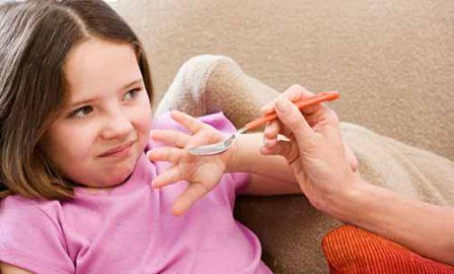 如何让孩子乖乖喝中药?有哪些方法让中药不再苦口