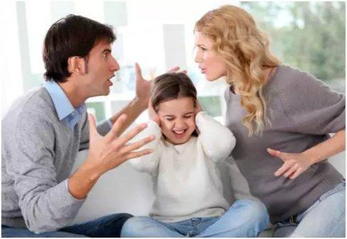 爸爸妈妈发脾气对孩子有什么影响?