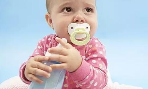 给孩子断奶有什么妙招?怎么样断奶不痛苦