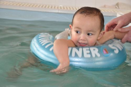 3岁宝宝感冒咳嗽去游泳好不好?