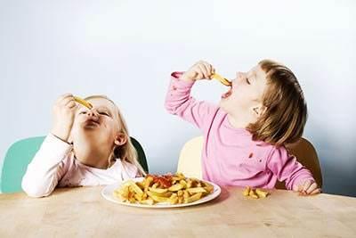 给宝宝做菜应该放多少盐?宝宝吃多少盐有助于身体发育