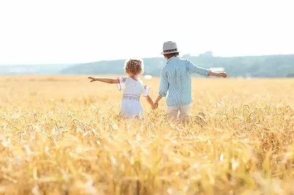 父母过度保护孩子没有好处!过分保护孩子会带来什么样的影响