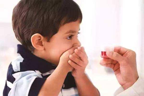 给宝宝喂药容易犯的8个错误!家长对照下