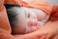 10种新生儿常见问题:新生宝宝看似可怕而又正常的事