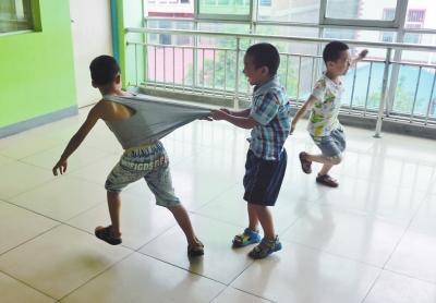3-6岁学龄前儿童常见的异常行为