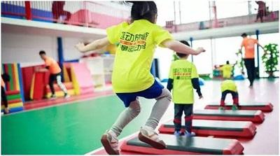 哪些运动不适合小孩子?5种容易伤害孩子身体的运动